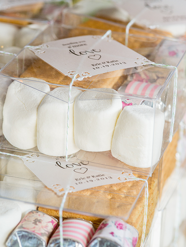 How To Make DIY Smore Kits Such A Fun Idea For Favors At Rustic Wedding