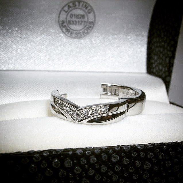 Beautiful custom Superfit ring in platinum diamonds bespoke