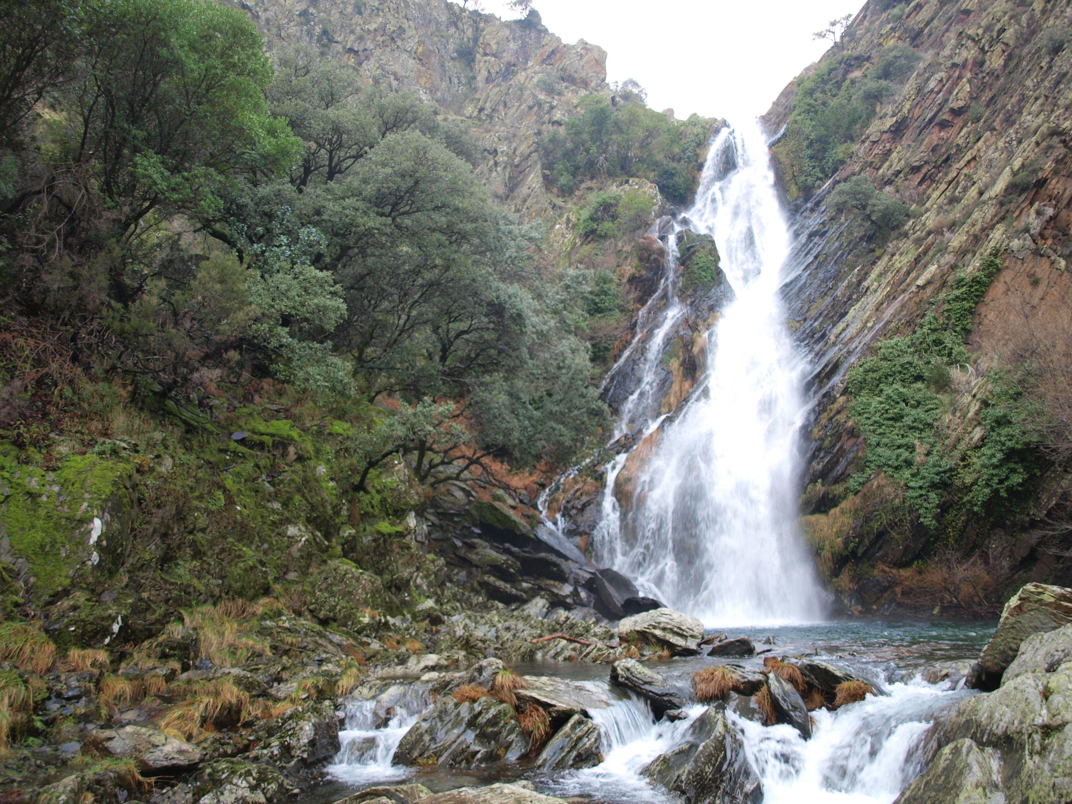 Resultado de imagen de Cascada del Chorrituelo