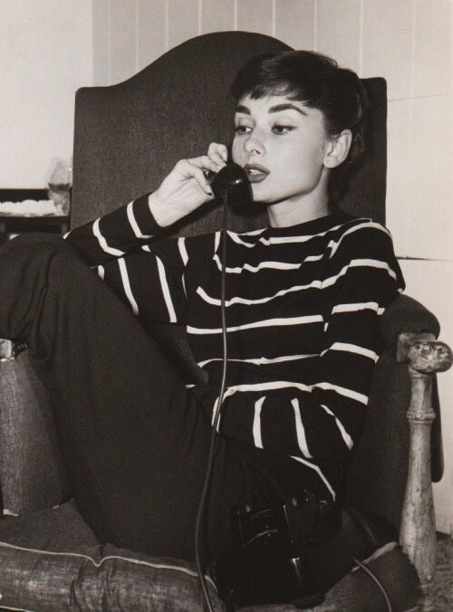 glorious queens photo audrey hepburn pinterest queen photos queens and audrey hepburn. Black Bedroom Furniture Sets. Home Design Ideas
