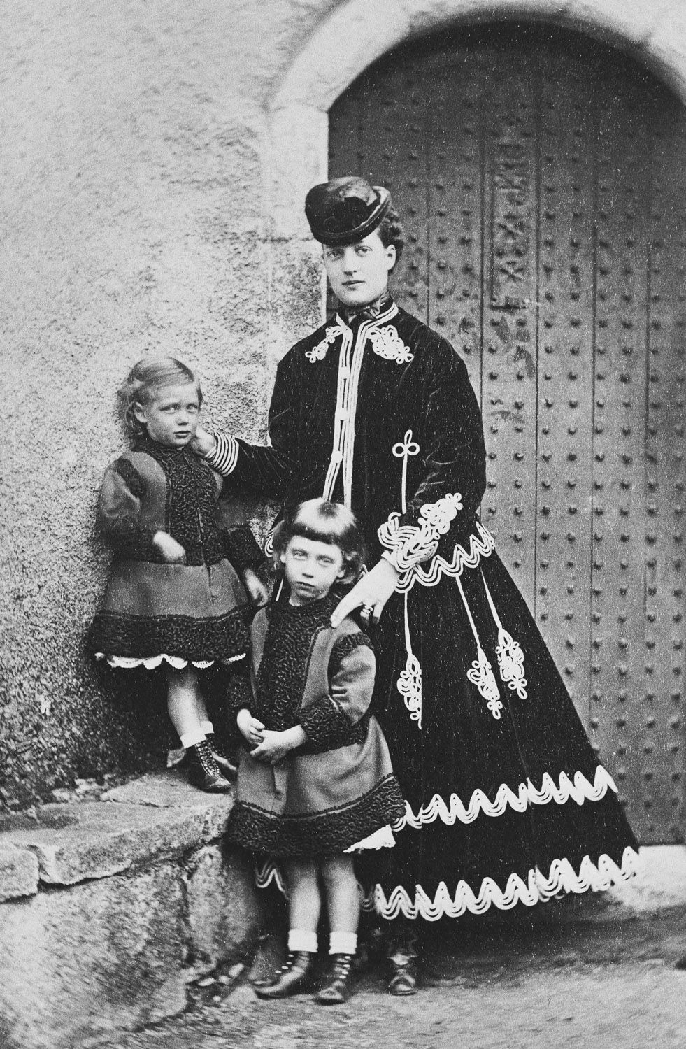 Alexandra, Princess of Wales, with her sons, Prince Albert Victor and Prince George, Abergeldie, 1868 [in Portraits of Royal Children Vol.12 1868]   Royal Collection Trust