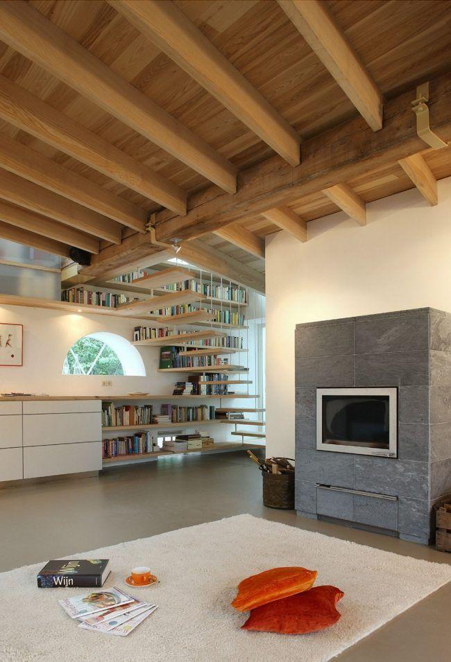 Modernes holzhaus innen  Modernes Wohnhaus Innen Renovierung Kaminofen-platzieren Balken ...