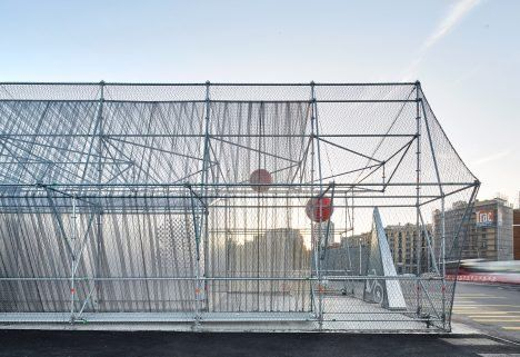 Peris + Toral Arquitectes has created a temporary venue with a scaffolding structure, which is designed to be easily disassembled