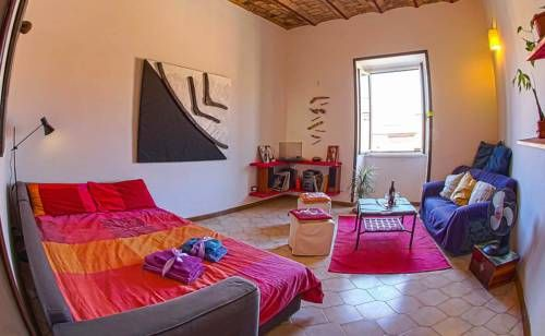 Apartment near Termini Station Rome Apartment near Termini Station is an apartment situated in Rome, 500 metres from Porta Maggiore. The apartment is 600 metres from Sapienza University of Rome. Free WiFi is available throughout the property.