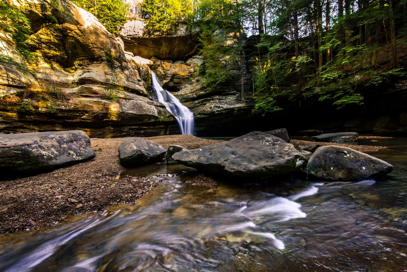8 trails you must hike in hocking hills state park ohio