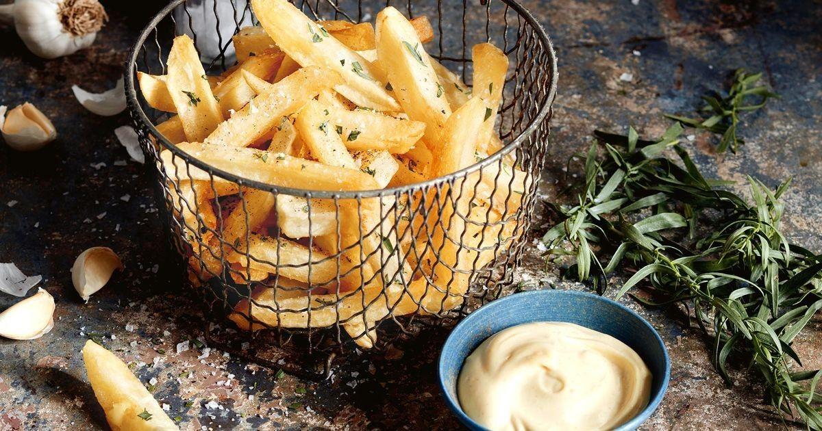 Chips with malt vinegar aioli