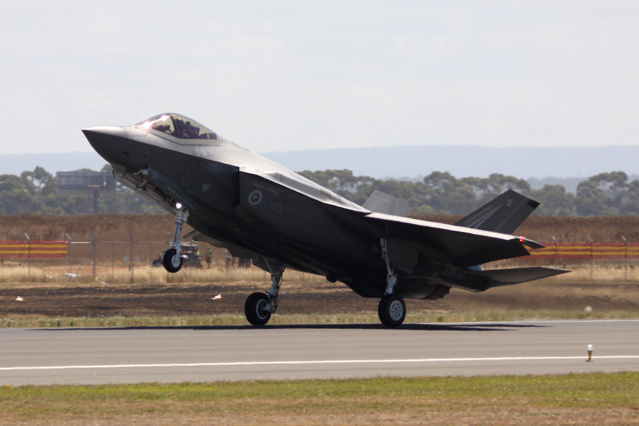 https://flic.kr/p/SFiCcm | F-35A | F-35A Lightning II A35-001 at the 2017 Australian International Airshow