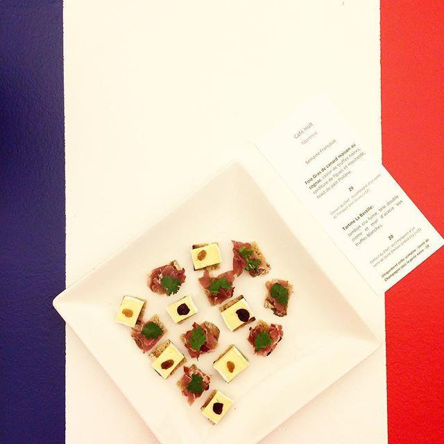 Venez déguster des petites bouchées du café Holt pour souligner la fête du #14juillet! Au r-d-c jusqu'à 16h.  Café Holt is serving our clients French appetizers from noon - 4pm in celebration of #BastilleDay