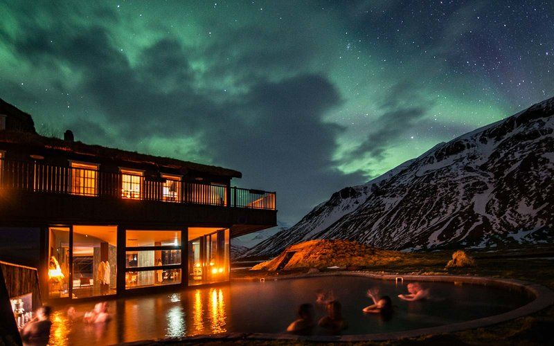 Natural Jacuzzi Iceland.Take A Hot Bath Under The Northern Lights At This Remote
