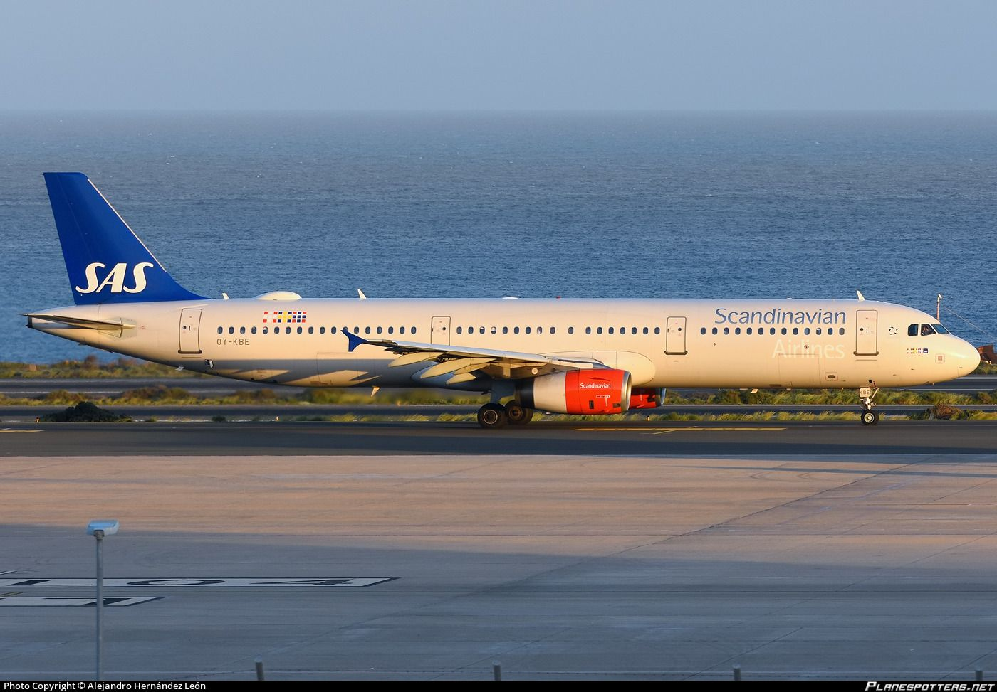 Scandinavian Airlines Sas Airbus A321 232 Oy Kbe Emma Viking At Gran Canaria Gando December 2018 Photo Alejandro Hernandez Leon