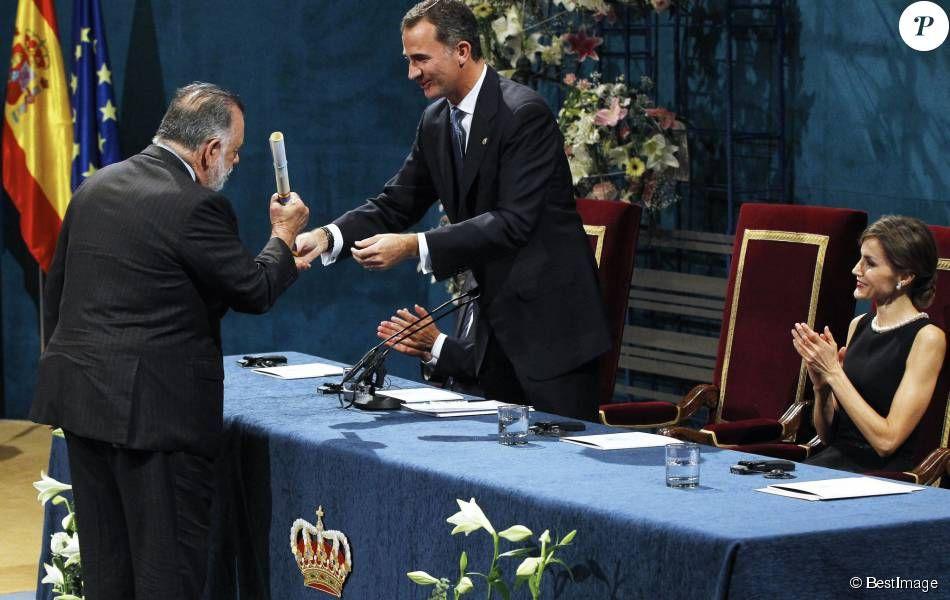 Francis Ford Coppola recevait le 23 octobre 2015 au Théâtre Campoamor à Oviedo le Prix Princesse des Asturies des Arts lors d'une cérémonie présidée par le roi Felipe VI et la reine Letizia d'Espagne.
