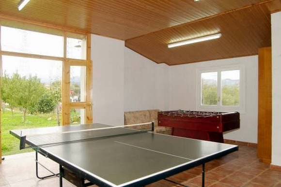 Lleida talarn casa rural cal morralet dispone de un total de seis dormitorios tres dobles - Casas rurales lleida piscina ...