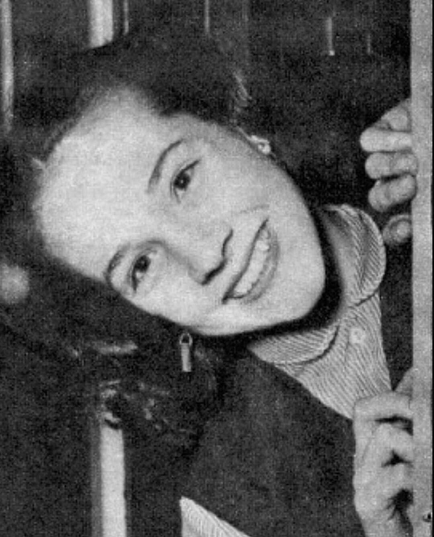 Darlanne Fluegel picture