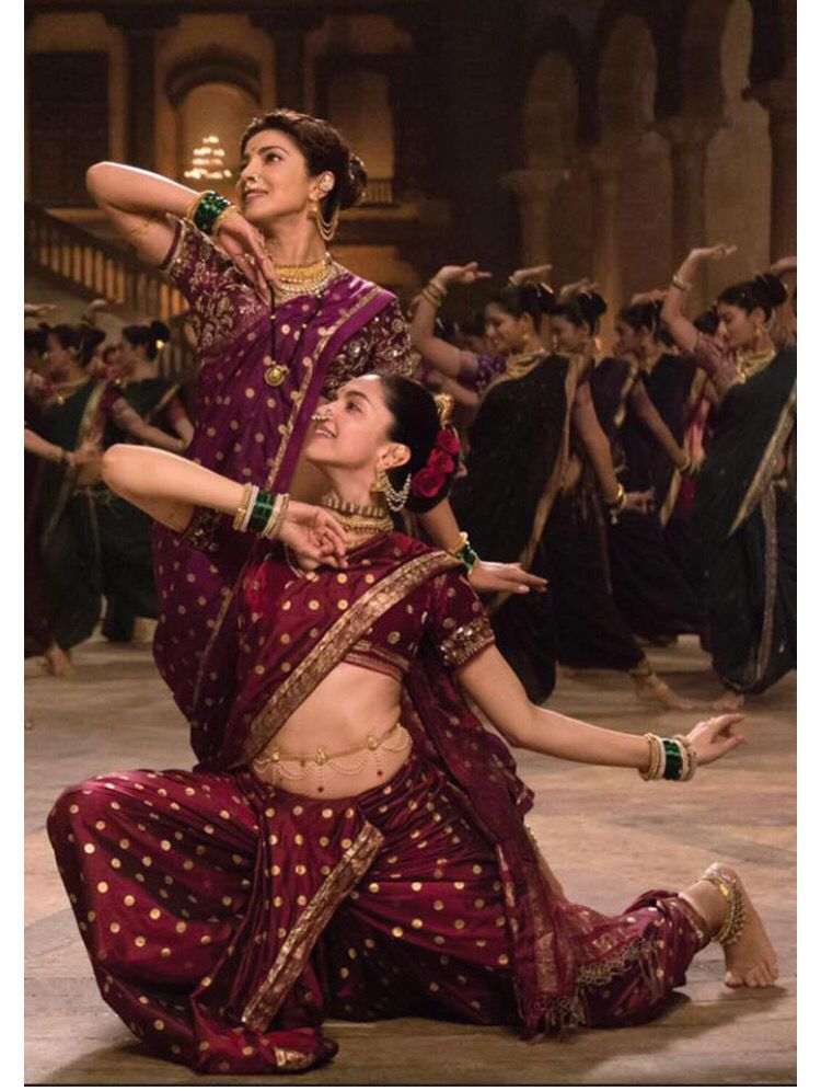 Priyanka Chopra And Deepika Padukone Fashion Trend Inspiration Indian Celebrities Bollywood Dance
