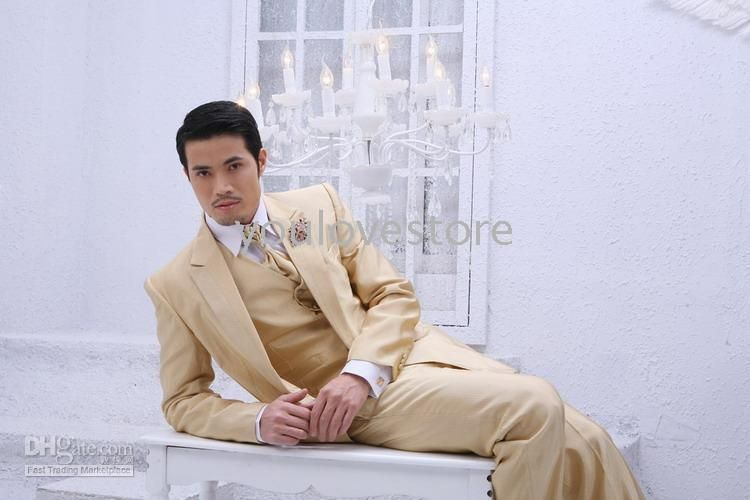 Groom Tuxedo 2011 , Bridal And Groon Suits , Men Wedding Suits ...