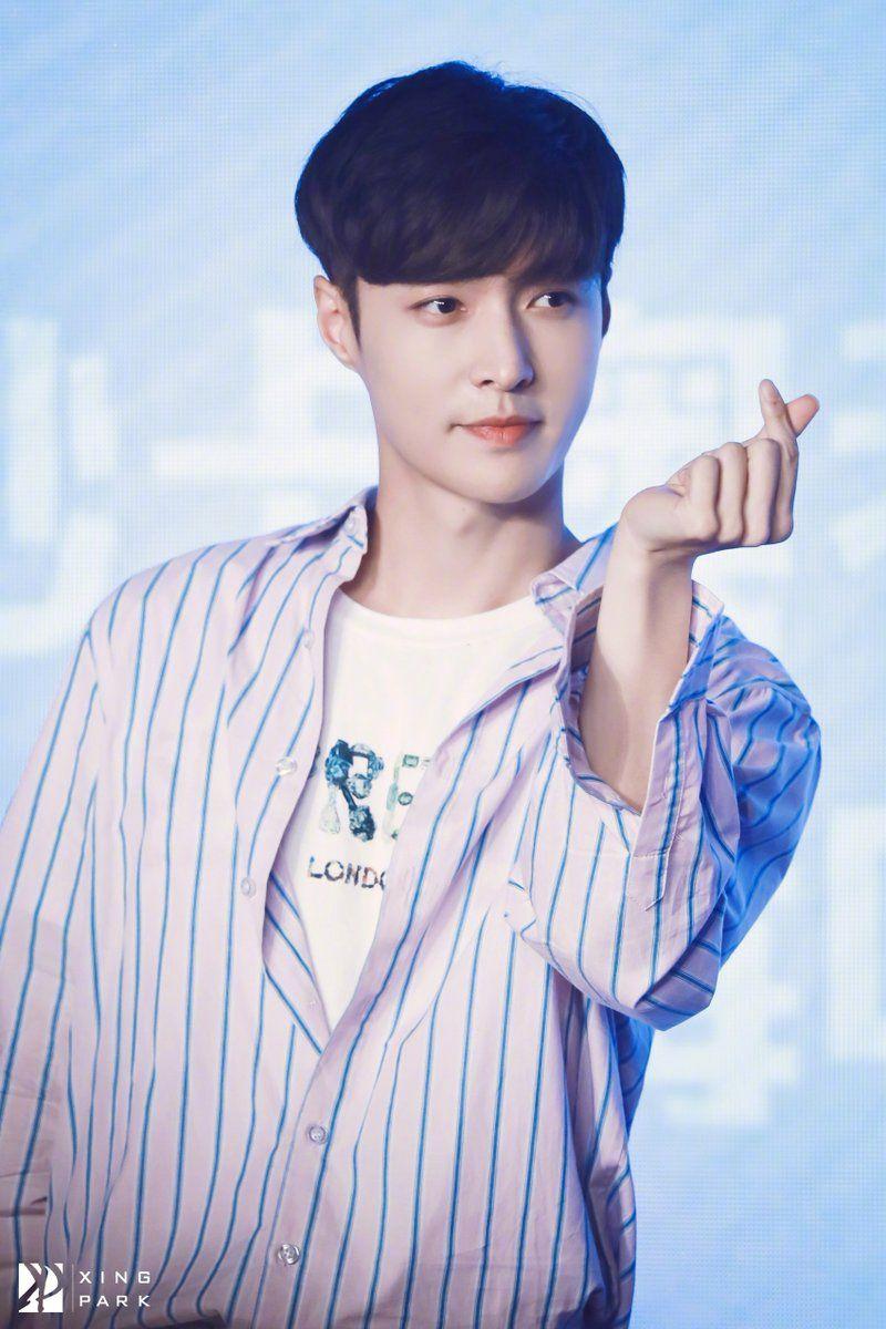 EXO Lay #exo #lay #zhangyixing #layzhang #mpop
