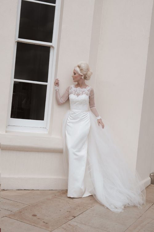 This Stunning 3 In 1 Wedding Dress The Basic Dress Is A Simple