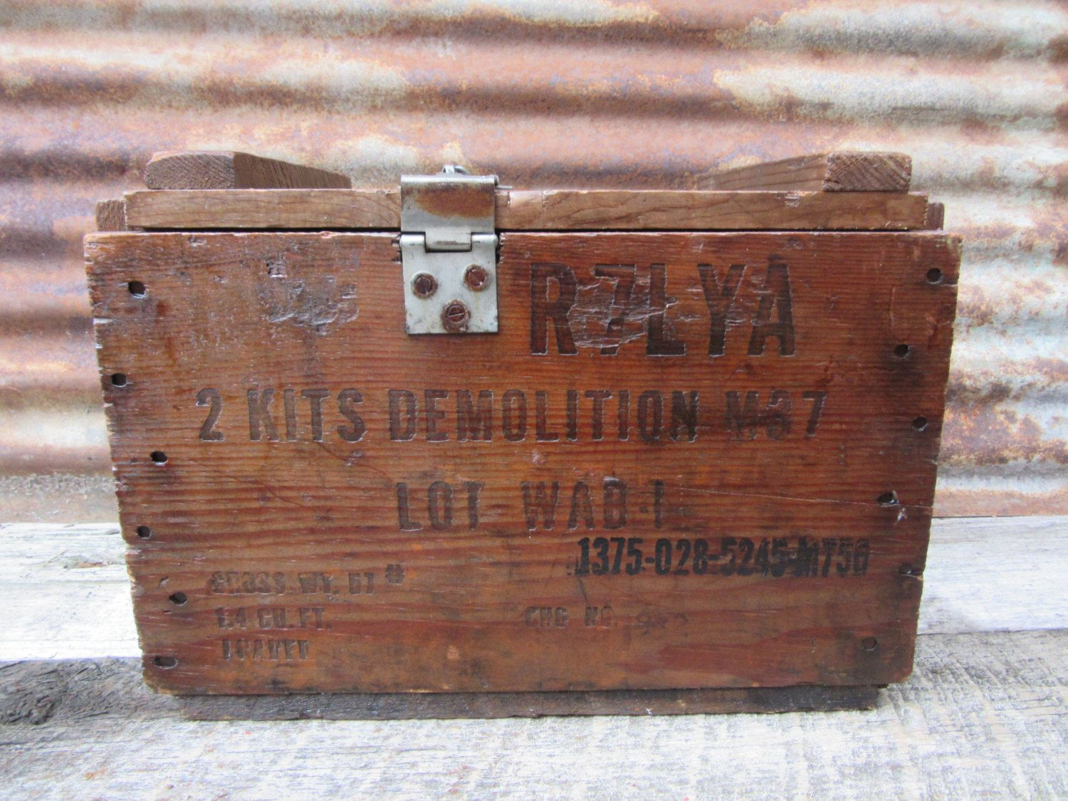 b7295bd51405171b21e4423cdc6b1f75 antique explosives crate box demolition m37 wood trunk rope Old Fuse Box Parts at n-0.co