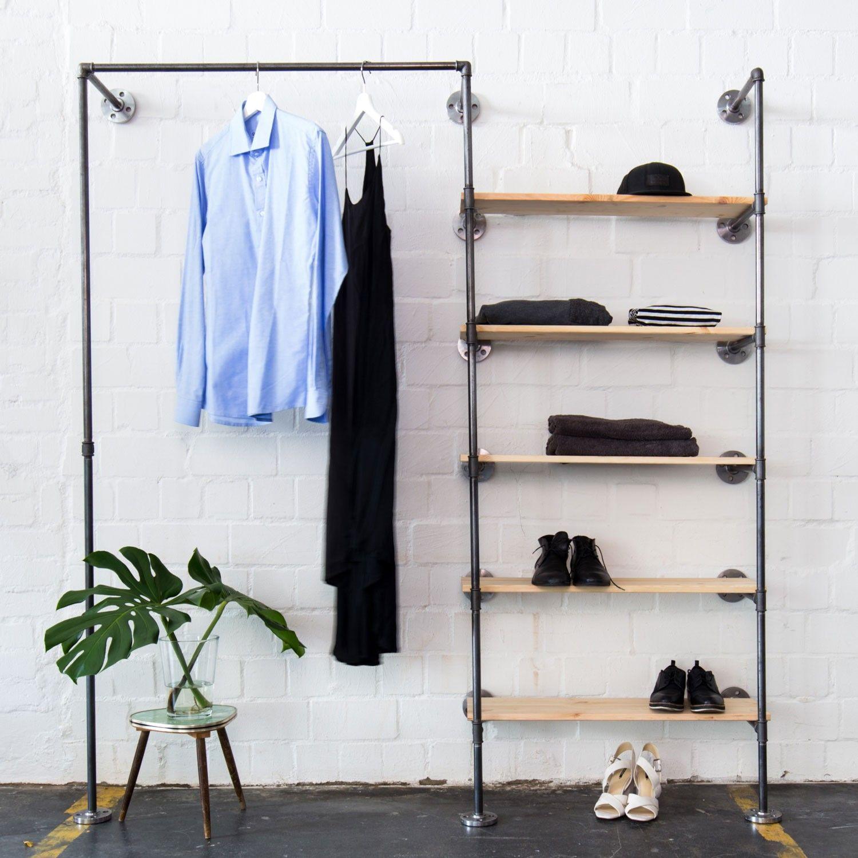 Offener Kleiderschrank Im Industriedesign In Wunschgrosse Ankleidesystem Mit Kleiderstange Regal Aus Wasserrohr Selekkt Heim Fur Junges Design In 2020 Offener Kleiderschrank Regal Industrial Kleiderschrank