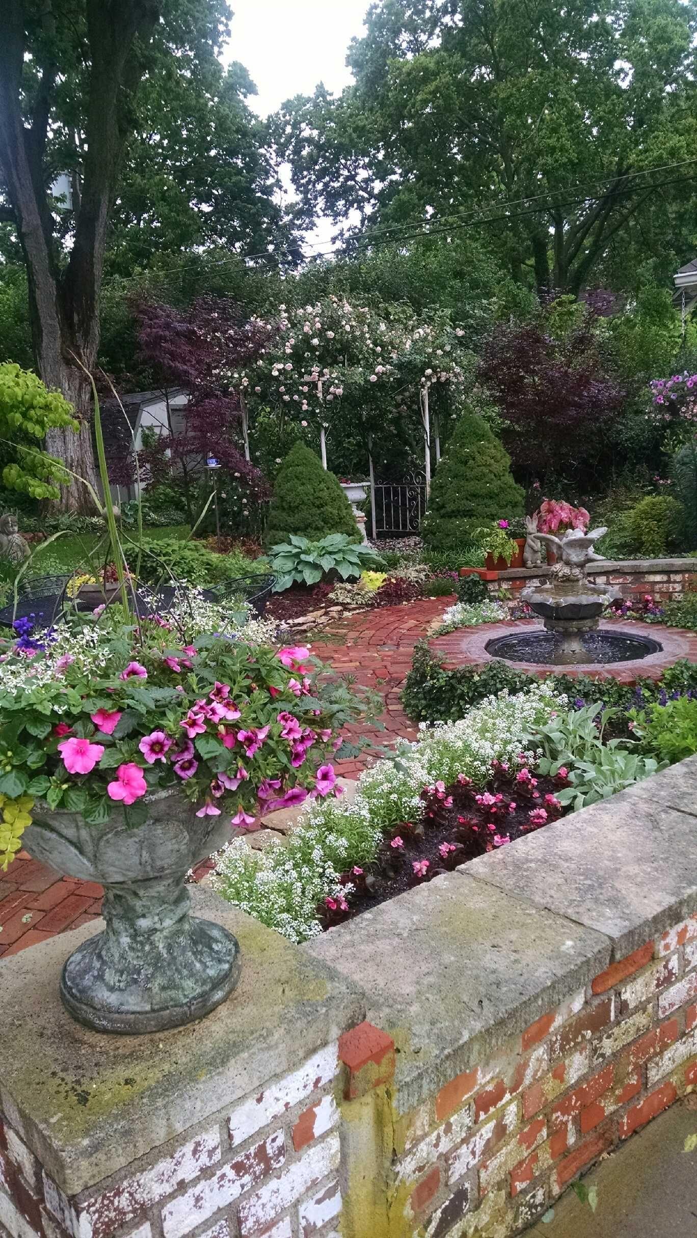 My back yard Spring 2015 | Outdoor gardens, Cottage garden ... on My Backyard Living id=15214