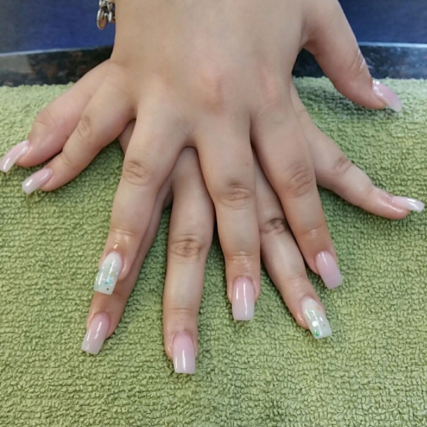 Acrylic Nails With Encapsulated Seashells And Glitter Acrylic Nails Nails Glitter