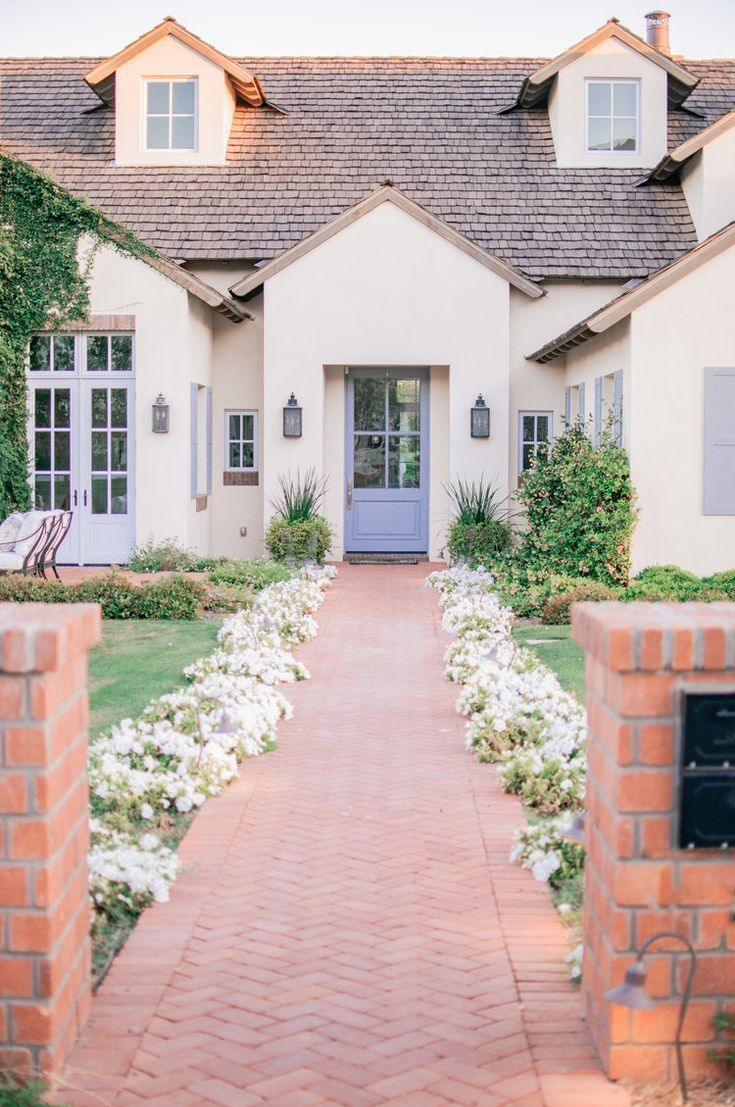 Unique Home Design (And Cute Corners) in Arcadia, Phoenix ... on Arcadia Backyard Designs id=25915