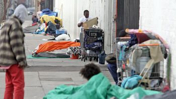 L A Lawmakers To Declare State Of Emergency Commit More Than 100 Million To Fight Homelessness Homeless Emergency Urban Life