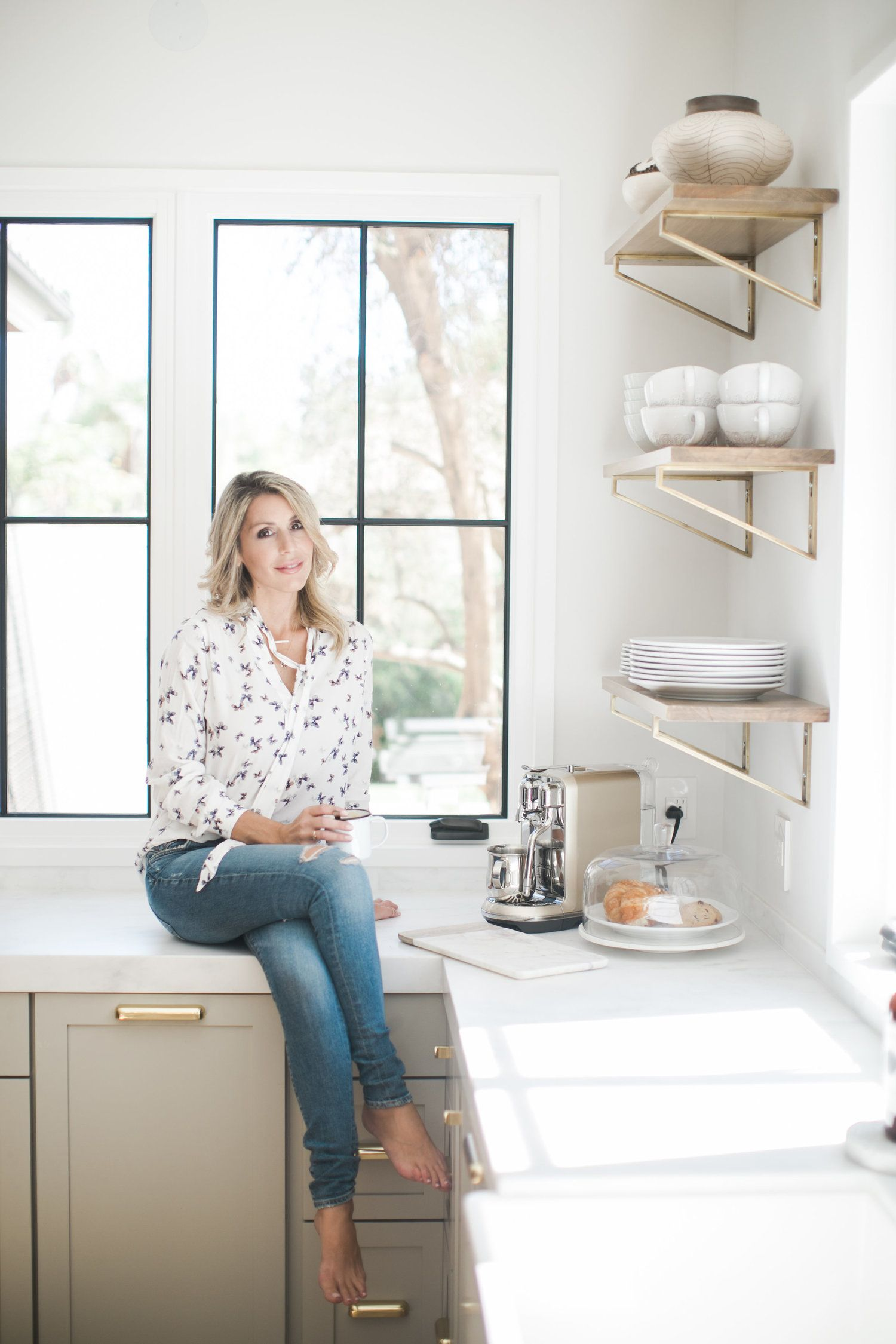 Cher House Designer Cher Underwood In Her Gorgeous Kitchen Remodel In Corona Ca Marble Counters Grey Ca Inspiring Spaces Gorgeous Kitchens Beautiful Kitchens