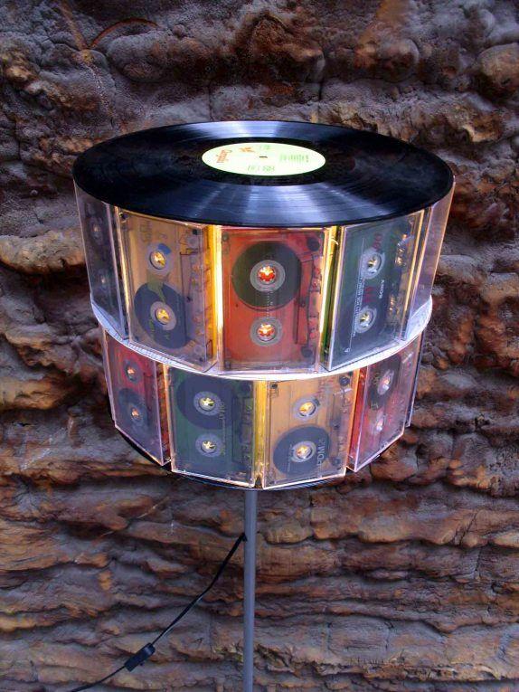record and cassette tape lamp music in the air pinterest schallplatten kassette und lampen. Black Bedroom Furniture Sets. Home Design Ideas