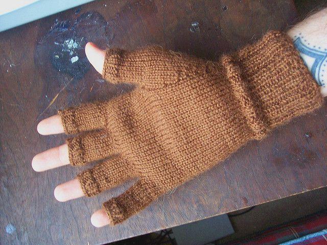 Ravelry Mens Fingerless Gloves Pattern By J Campbell Knitting