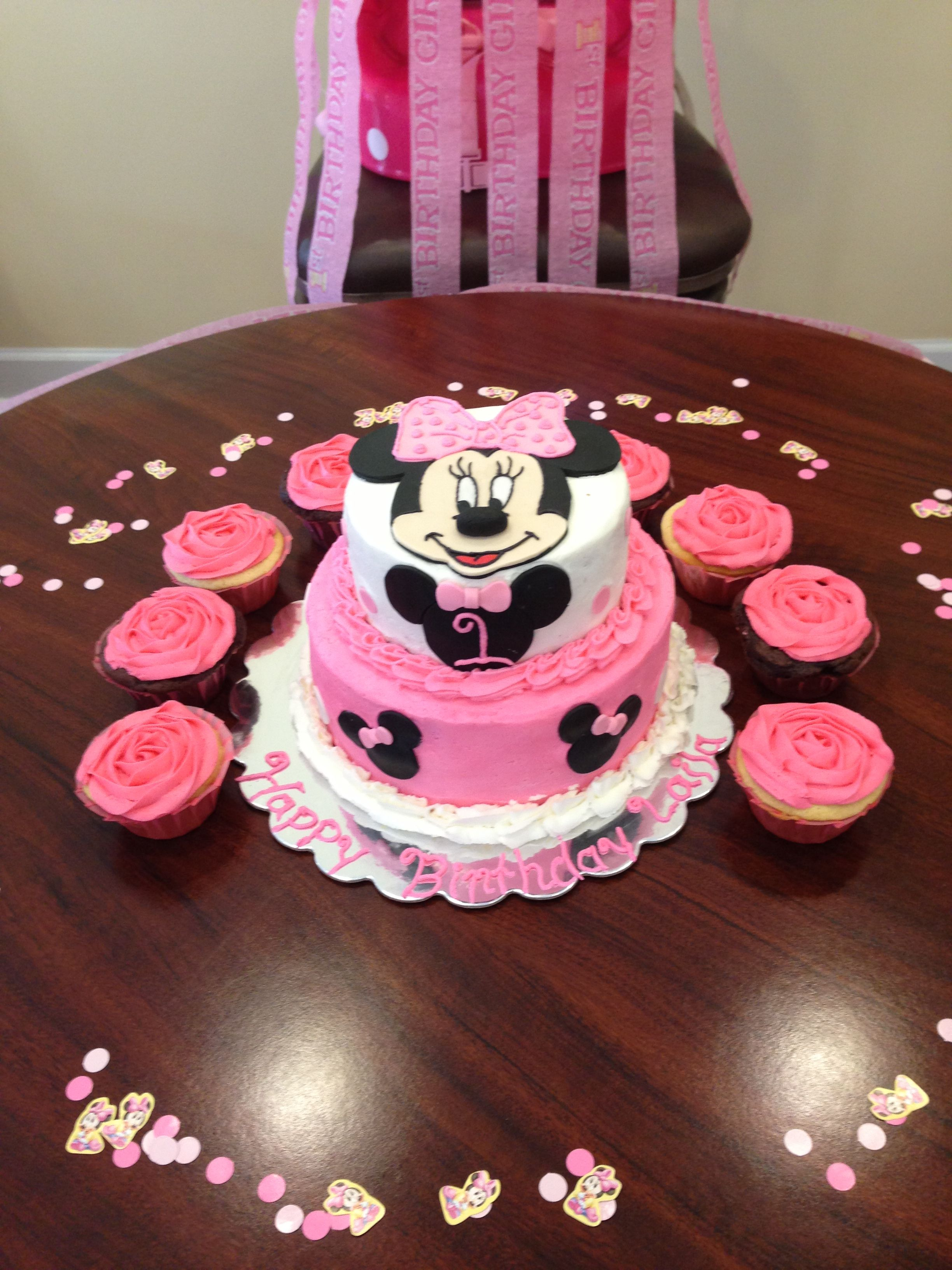 1st Birthday Minnie Mouse Cake And Cupcakes For Laila Minnie Mouse Cake Baby Girl First Birthday Cupcake Cakes