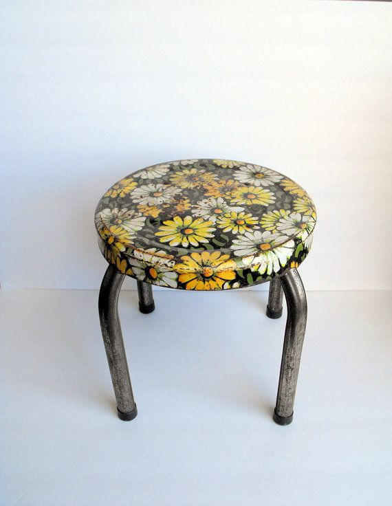 Pin By Julie Quinonez On My Etsy Shop Metal Stool Shabby Chic Vintage Metal