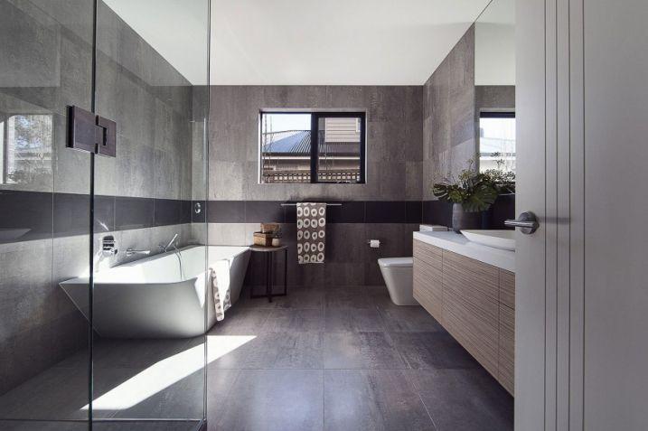 salle de bain avec carrelage gris