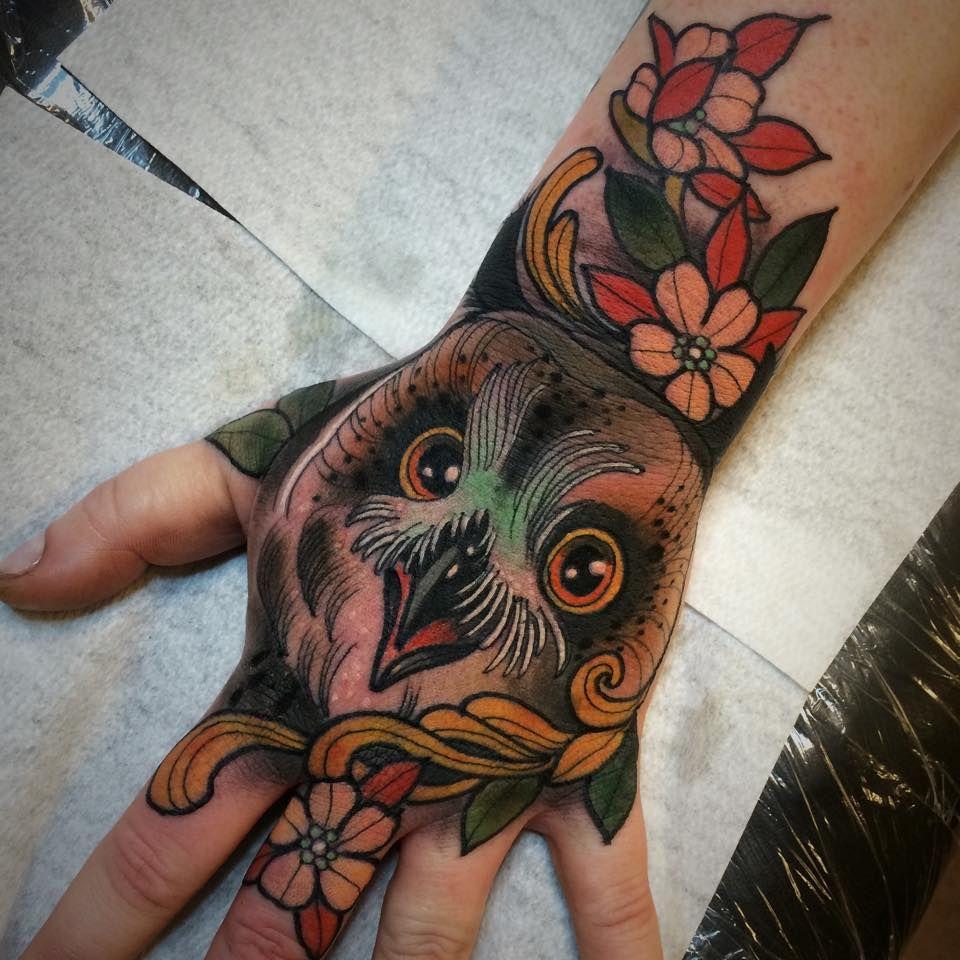 Electric Tattoos Kari Grat Tattoos Hand Tattoos For Guys Traditional Hand Tattoo