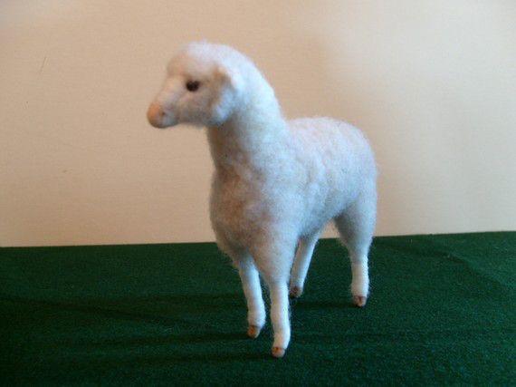aiguille mouton feutrées