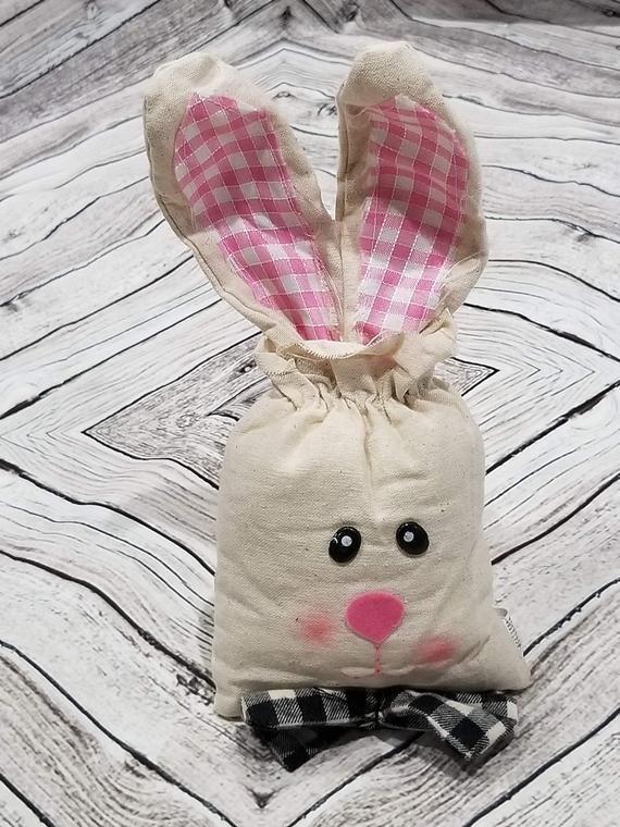 Easter bunny decor, Easter bunny plush, Bunny wreath, bunny head, bunny plush, garden wreath, garden