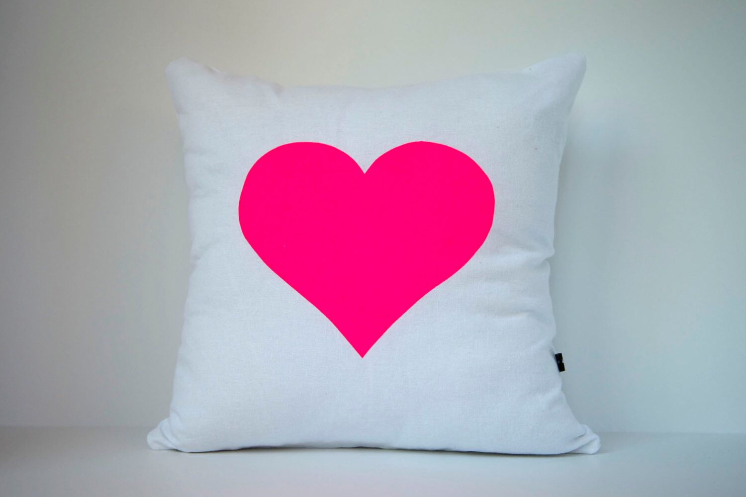 Heart in Neon Pink on White - Hand Printed Cushion Cover - Linen Cotton - 40cm x 40cm by bobbyandfaith on Etsy (null)