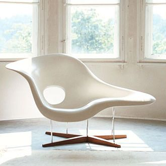 Charles and Ray Eames La Chaise Charles eames chair