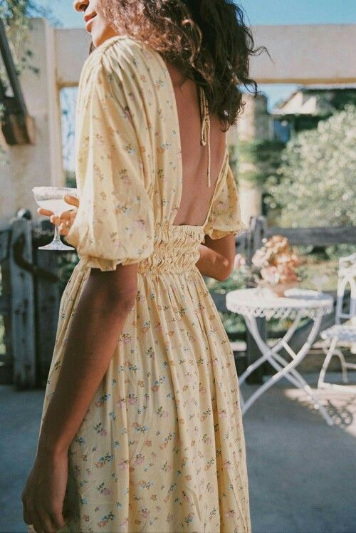 Small dress with floral print and long dress