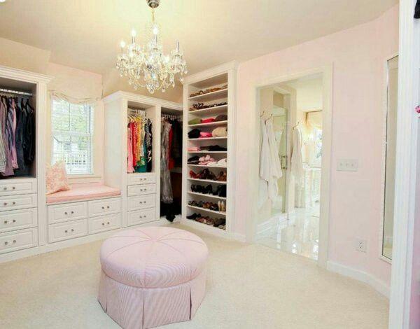 Begehbarer kleiderschrank rosa  Ankleidezimmer mit Sitzbank | my dream of home | Pinterest ...