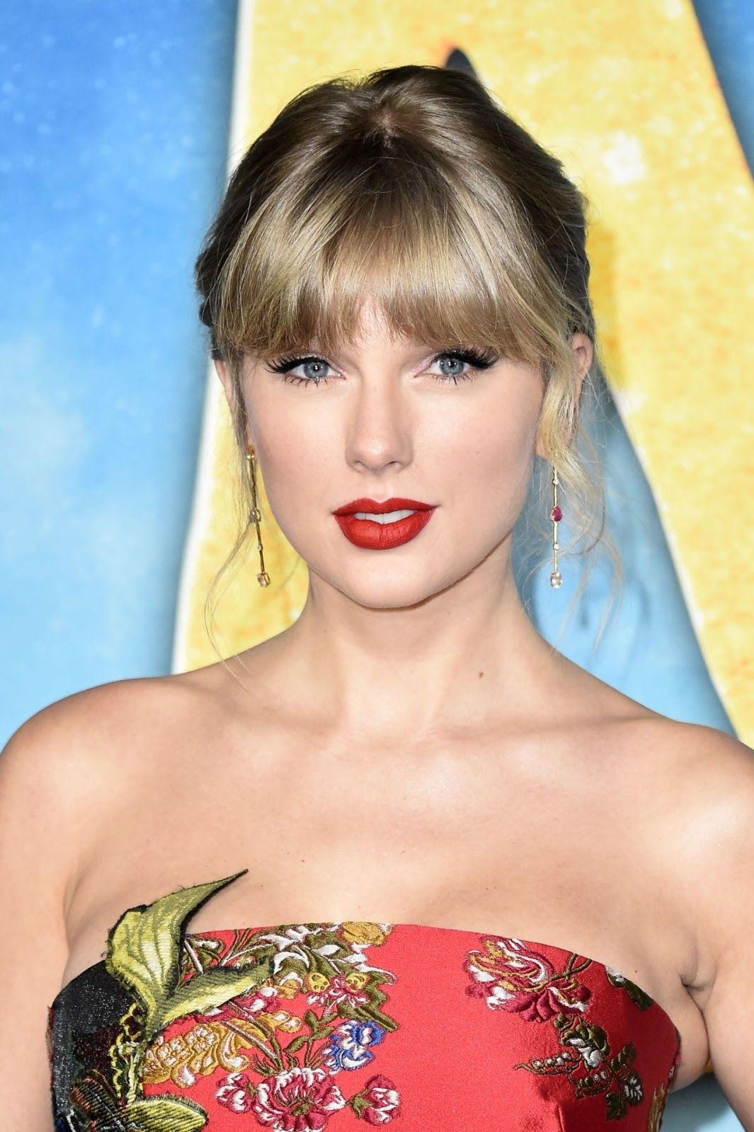 """TAYLOR SWIFT """"Cats"""" Premiere in New York City 12/16/2019"""
