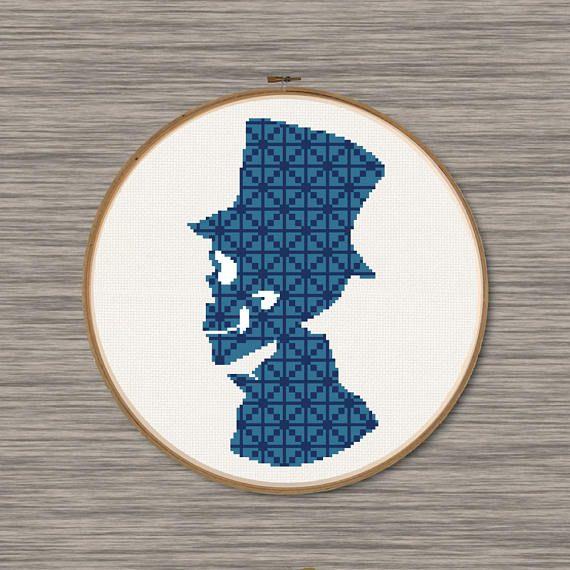 Gentleman Skull - PDF Cross Stitch Pattern | Bügelperlen