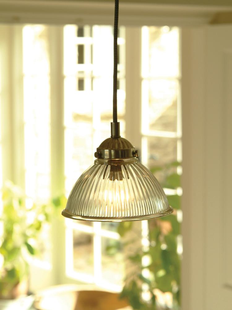 Fluted glass mini pendant light