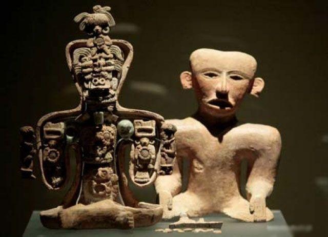 Teotihuacán Host Figurines