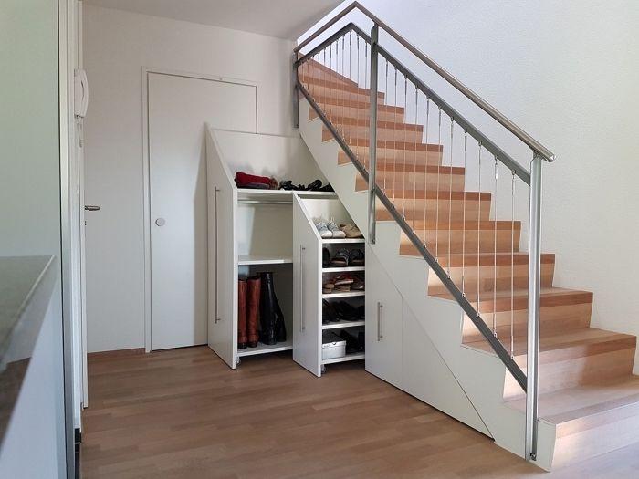 1001 + astuces pour optimiser l'espace limité avec un placard sous escalier   Placard sous ...