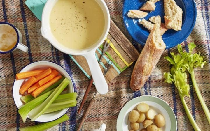 Stephen Harris' cheddar and cider fondue