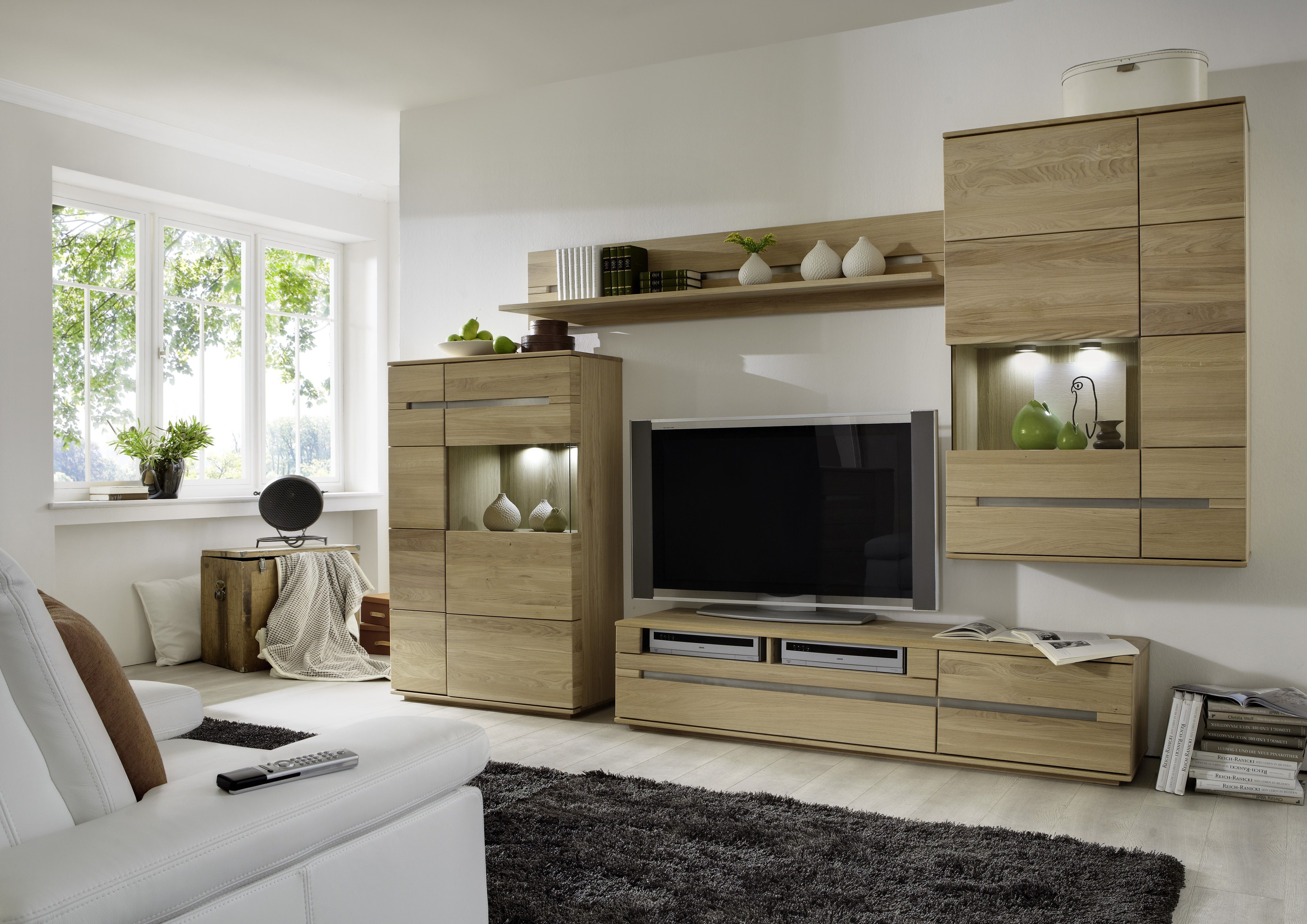 Sehr Moderne Wohnwand In Eiche Bianco Lamelle Ist Das Neue Highlight In  Ihrem Wohnzimmer. Moderne Optik Und Viel Stauraum Sind Hier Miteinander  Kombiniert: ...