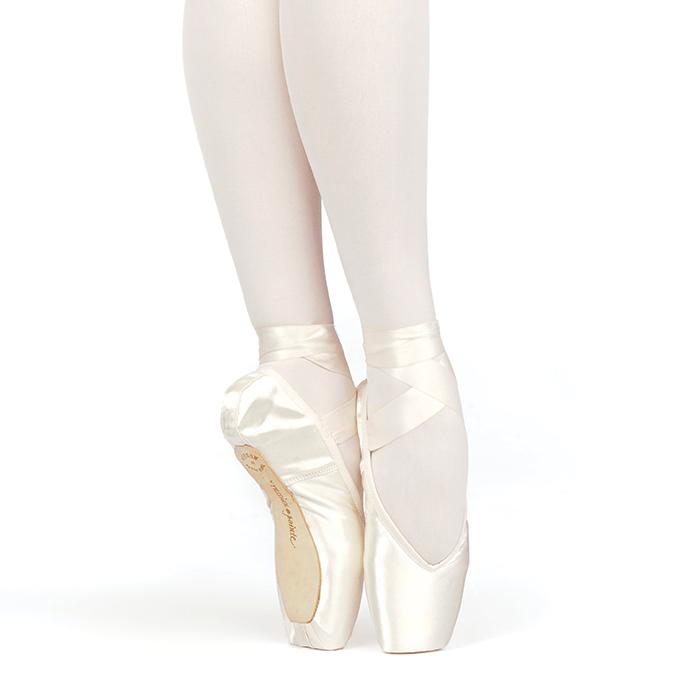 Russian Pointe Women's Brava Pointe Shoe | My Ballet Board