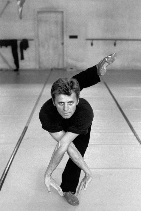 Ferdinando Scianna USA, Florida, White Oak: Mikhail BARYSHNIKOV in a schooldance. Magnum Photos Photographer Portfolio