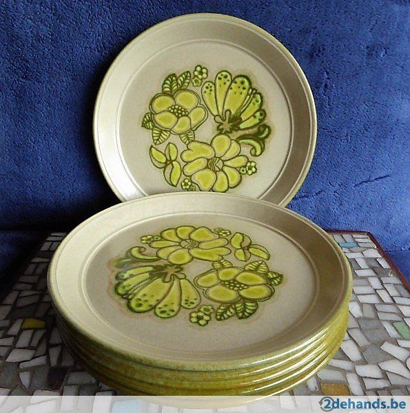 FOR SALE 6 retro floral Staffordshire/Kiln Craft Tableware plates & FOR SALE 6 retro floral Staffordshire/Kiln Craft Tableware plates ...